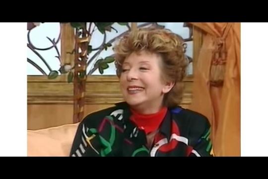 Marthe Mercadier dans la pièce La bonne Anna. Capture d'écran vidéo Youtube