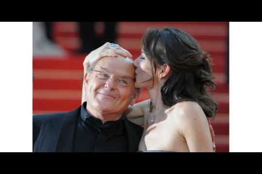 Jean-François Stévenin avec sa fille au Festival de Cannes en 2010. Photo Martin BUREAU/AFP
