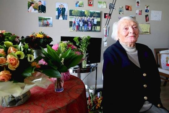 Yvette Lundy, dans sa maison de repos d'Epernay, en 2017. Photo AFP