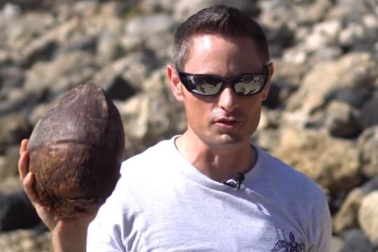 Le Youtubeur Grant Thompson dans une de ses vidéos. Photo capture d'écran Youtube